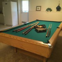 Very Nice Pool Table With Complete Set